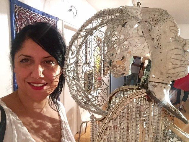 selfie lumineux avec l'ange de Pascale Monnin