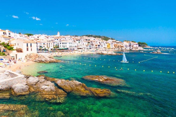 Calella de Palafrugell près de Gérone en Catalogne. - © Matej Kastelic - Shutterstock.com