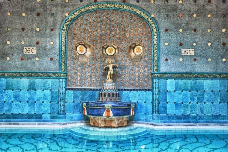 Les bains Gellert - © Iobaszo - iStockphoto