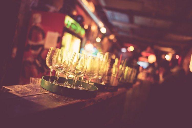 Ruin pub - © Olivier Huitson - Shutterstock.com