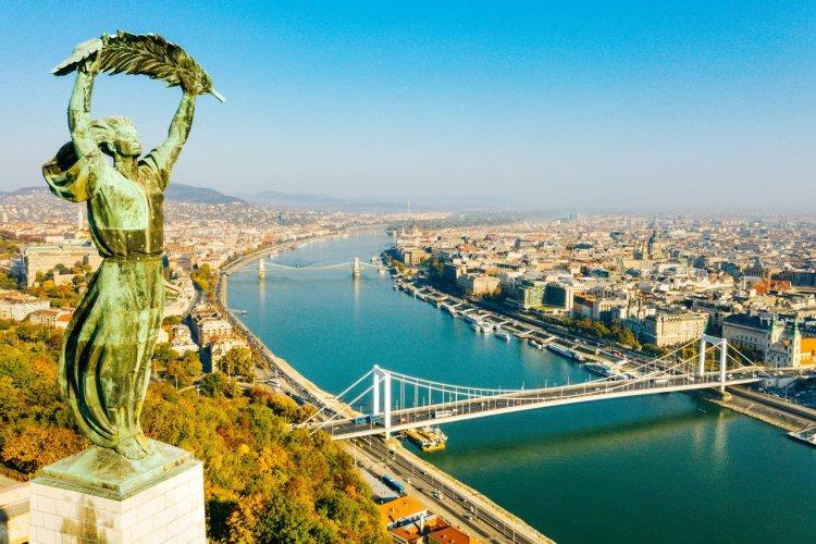 La statue de la Liberté sur la citadelle - © hbpro - Shutterstock.com
