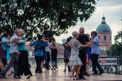 Danser sur les quais de la Garonne