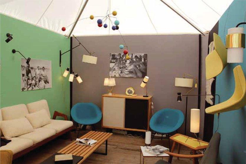 les puces du design s 39 exportent la grande motte magazine la grande motte 34280. Black Bedroom Furniture Sets. Home Design Ideas