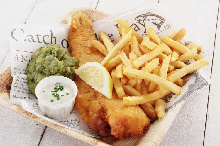 Fish and chips - © Neil Langan - shutterstock.com