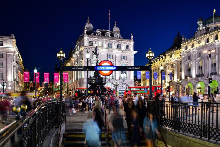 Piccadilly Circus - © andreyspb21 - Shutterstock.com