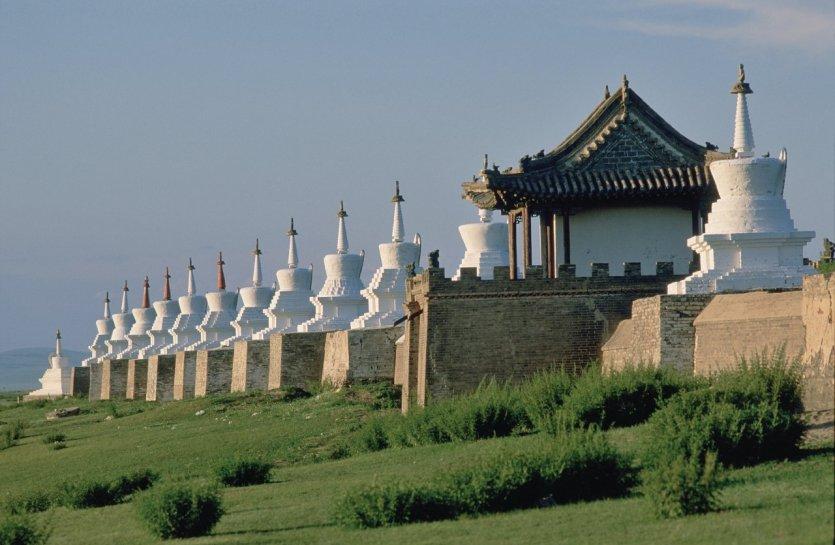 Monastère d'Erdene Züü, mur extérieur avec 108 stupas.