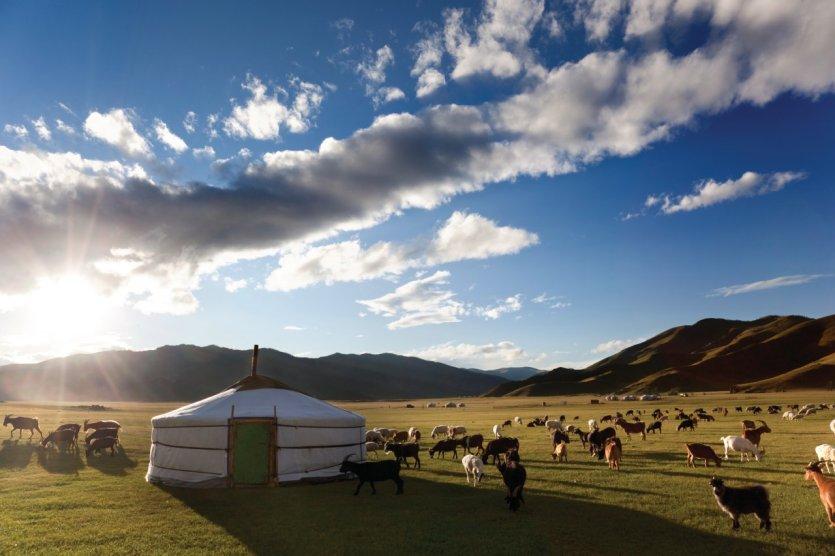 Lever de soleil dans la vallée de l'Orkhon.