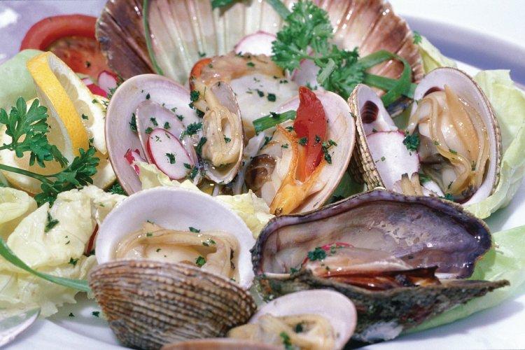 Assiette de fruits de mer. - © Ana NEVENKA - Iconotec