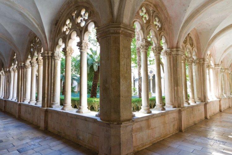 Monastère Dominicain (Dominikanski Samostan) datant du XIVe siècle. - © Lawrence BANAHAN - Author's Image