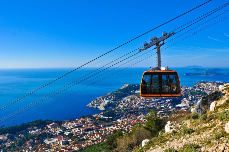 - © Donatas Dabravolskas-Shutterstock.com