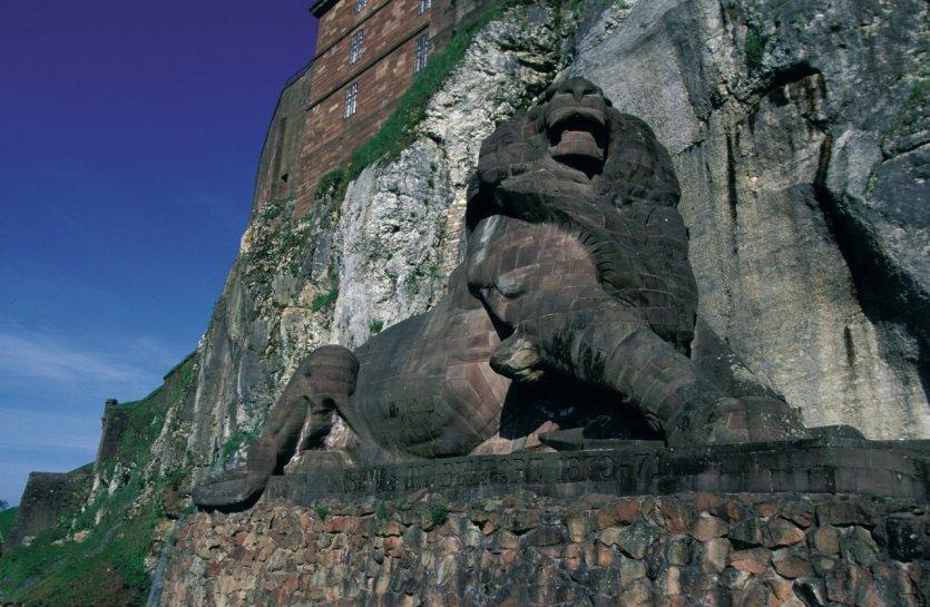 Le lion de Belfort - © PIERRE DELAGUERARD - ICONOTEC