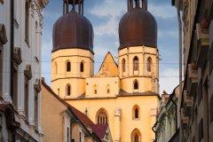 Basilique Saint Nicholas (© milangonda)