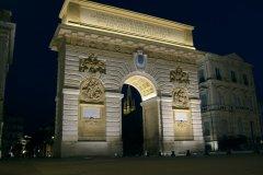Arc de triomphe de nuit (© Stéphan SZEREMETA)