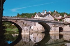 Le pont de Laroquebrou (© Richard Cardin - Fotolia)