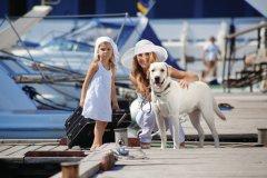 Famille en vacances - Cannes. (© Alena OZEROVA - Fotolia)