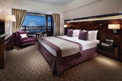 (© CROWNE PLAZA MOSCOW WORLD TRADE CENTRE)