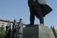 Statues de Lénine, de l'ouvrier et du paysan (© Stéphan SZEREMETA)