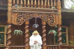 Ded Moroz, le Père Noël biélorusse à l'entrée de sa résidence (© Maryna LOGVYNENKO)