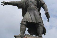 Statue du fondateur de la ville (© Stéphan SZEREMETA)
