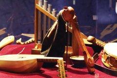 L'instrumentarium: instruments reconstitués à partir des sculptures du château de Puivert. (© MUSÉE DU QUERCORB ET DE L'INSTRUMENTARIUM)