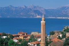 Le Yivli Minare (minaret cannelé) est le symbole d'Antalya. (© Hugo Canabi - Iconotec)