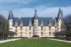 Le château Ducal - Nevers (© PHILOPHOTO - FOTOLIA)