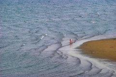 A Granville, la langue de sable vient lécher les flots salés de la Manche (© Franck GODARD)