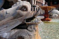 Fontaine de la Piazza Colonna. (© Philippe GUERSAN - Author's Image)