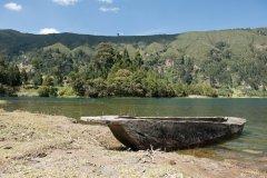 Les bords du lac dans le Cratère de Wenchi. (© ajansen)