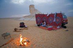 Bivouac dans le désert blanc. (© Sylvain GRANDADAM)