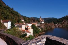 Le village d'Ambialet. (© Fotosearch / GraphicObsession)