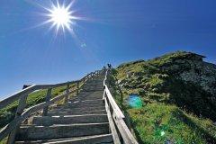 Le chemin de randonnée du Puy de Sancy. (© OT Massif du Sancy)