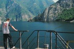 Croisière sur le lac de Koman. (© Julie Briard)