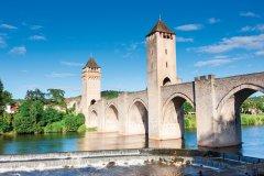Pont Valentré de Cahors. (© Peter Burnett - iStockphoto)