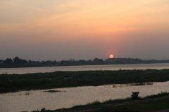 Coucher de soleil sur le Mékong à Vientiane. (© Aline SCHNEIDER)