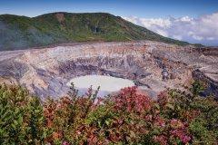 Volcan Poas. (© Billberryphotography - iStockphoto)