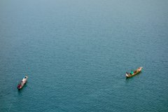 Pêcheurs sur le lac Kivu. (© Sophie ROCHERIEUX)