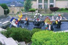 Fontaine de Nikki de Saint-Phalle devant la mairie (© VALÉRY D'AMBOISE)