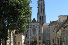 Parc du château royal, lieu d'élection d'Hugues Capet. (© Office de tourisme de Senlis)