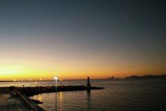 Vue de la côte sud d'Ibiza depuis le port de La Savina (Formentera). (© Jordi BOU)
