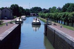 Sur le canal du Nivernais (© PHOVOIR)
