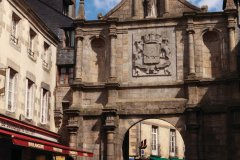 La porte Saint-Vincent de la vieille ville, datant du XVIII<sup>e</sup> siècle. (© Irène Alastruey - Author's Image)
