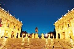 Place du Capitole de nuit. (© Stéphan SZEREMETA)