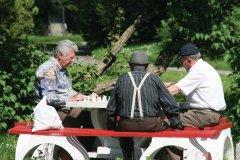 Partie d'échecs dans le parc Nicolae Titulescu. (© Stéphan SZEREMETA)