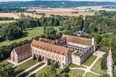 L'abbaye de Royaumont vue du ciel. (© AEROFILM, 2017)