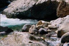 Baignade dans les gorges de l'Asco (© VINCENT FORMICA)