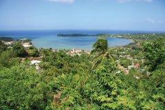Vue sur la baie de Port Antonio. (© mikkm)