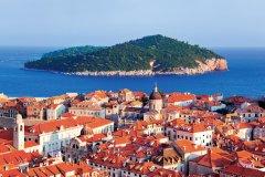 Dubrovnik fait face à l'île de Lokrum. (© Nikolai Sorokin - Fotolia)