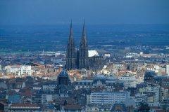 Vue générale de Clermont-Ferrand (© PIERRE DELAGUERARD - ICONOTEC)