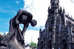 Sculpture à San José (© ICT (Institut Costaricien de Tourisme))